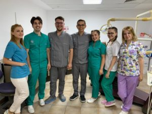 echipa medici stomatologi
